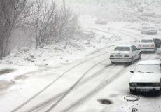 بارش برف در محورهای مواصلاتی استان آذربایجانغربی و شهر اورمیه