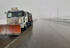 علیرغم بارش برف؛ تمامی مسیرها و جادههای آذربایجانغربی باز است